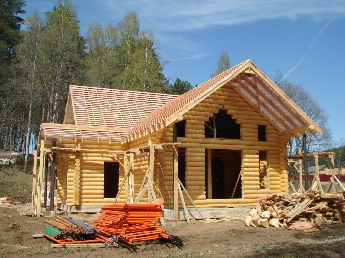 Сборка дома из оцилиндрованного бревна своими рукам 21