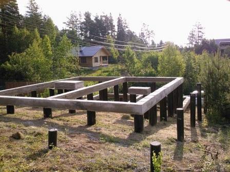 Верхняя обвязка из бетона 300 на свайно-ростверковый фундамент
